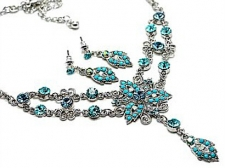 Vintage Victorian Style Turquoise Austrian Crystal Necklace Set