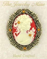 Vintage Reproduction Victorian Cameo Brooch - Corn/Topaz