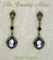 Vintage Look Victorian Style Cameo Drop Earrings - Black
