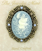 vintage look Victorian style cameo costume brooch